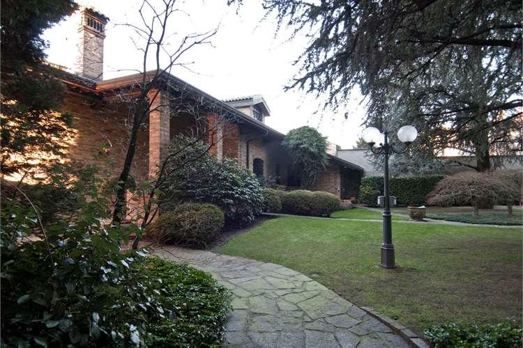 Villa in vendita a Nerviano, 14 locali, prezzo € 1.150.000 | Cambio Casa.it