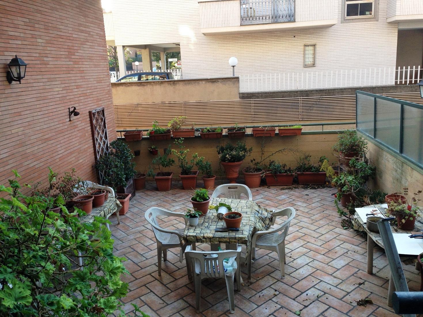 Bilocale vendita roma zona aurelio gregorio vii ubaldi for Arredamento via gregorio vii roma