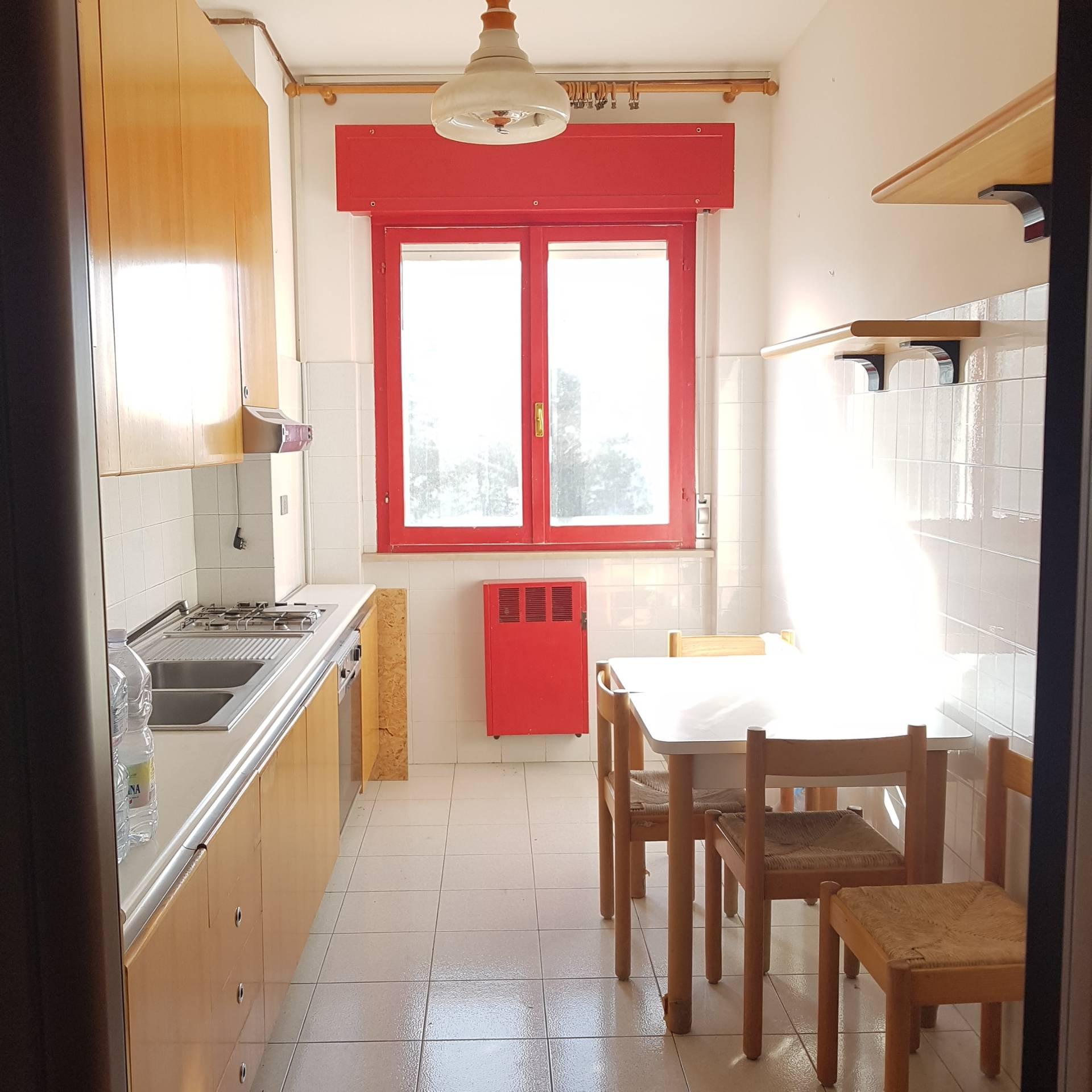 Appartamento in affitto a Viterbo, 3 locali, zona Zona: Semicentro, prezzo € 400 | Cambio Casa.it