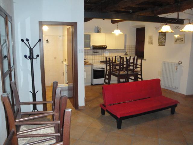 Appartamento in affitto a Viterbo, 2 locali, zona Zona: Bagnaia, prezzo € 250 | Cambio Casa.it