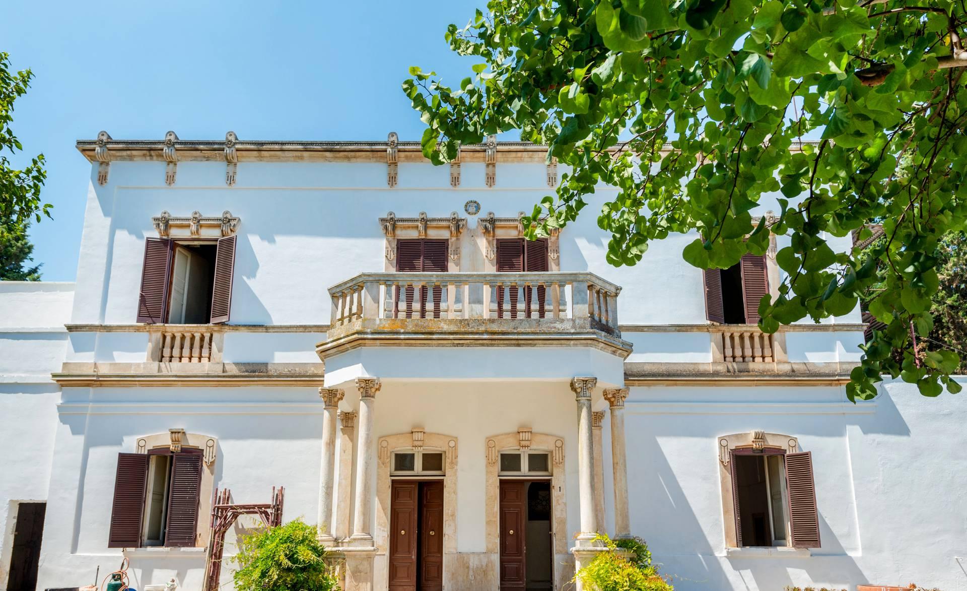 Villa in vendita a Carovigno, 8 locali, prezzo € 425.000 | Cambio Casa.it