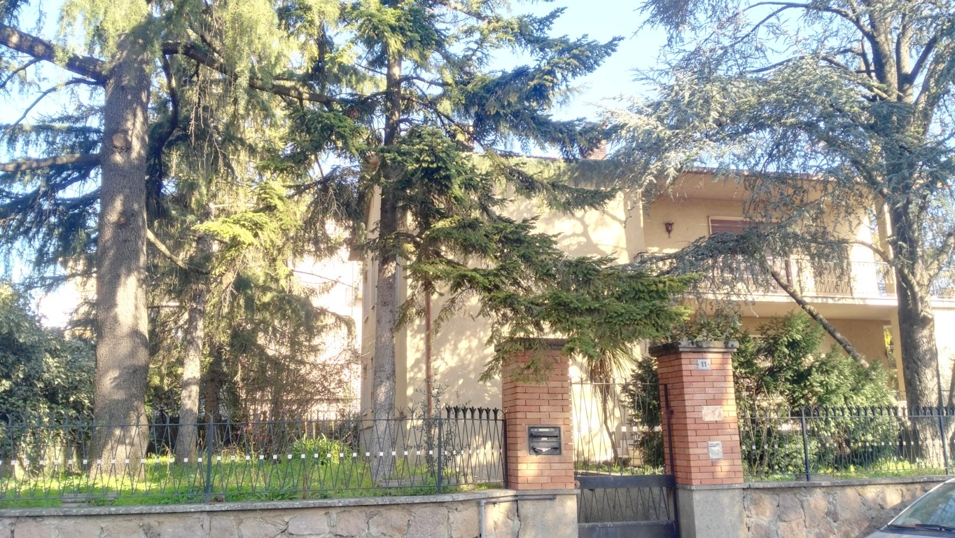 Villa in vendita a Fabrica di Roma, 10 locali, zona Località: centrale, prezzo € 235.000 | Cambio Casa.it