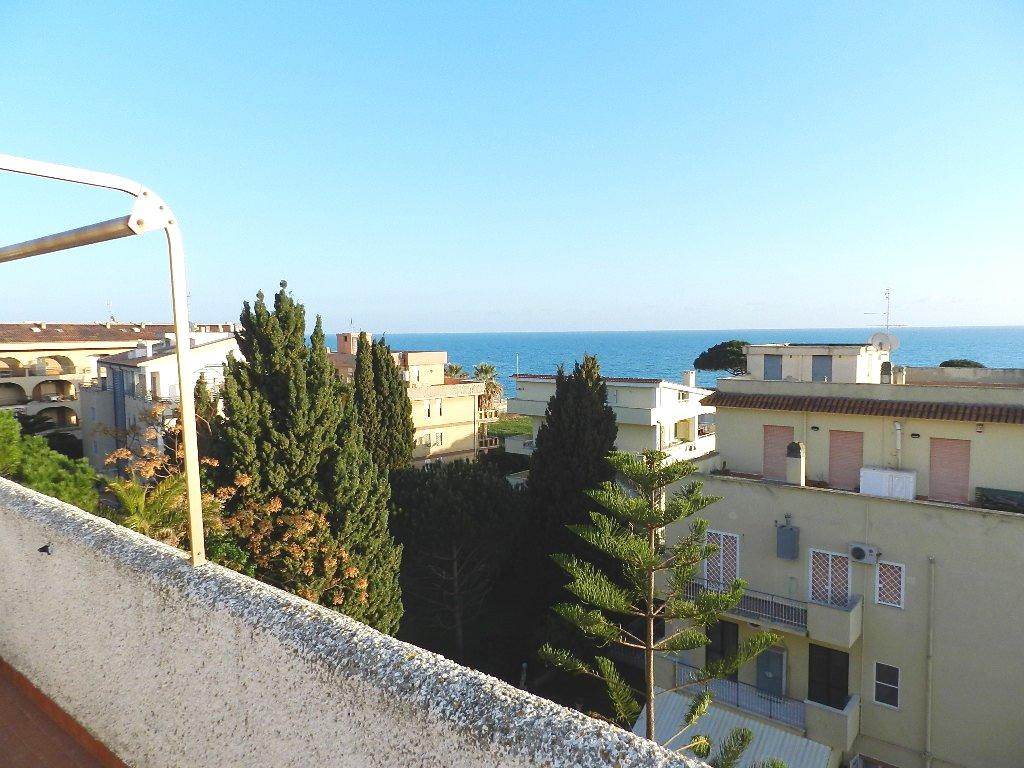 Attico / Mansarda in vendita a Santa Marinella, 1 locali, prezzo € 58.000   Cambio Casa.it