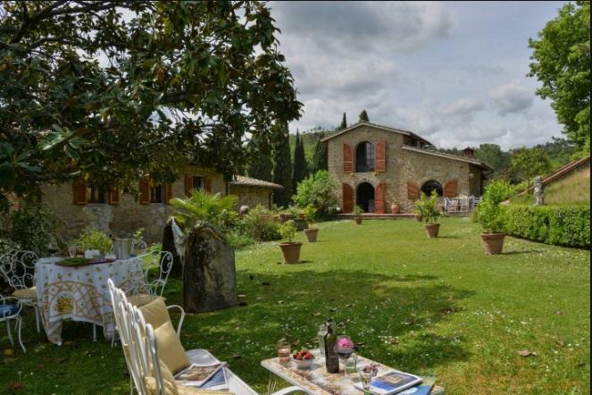 Rustico / Casale in Vendita a Montevarchi
