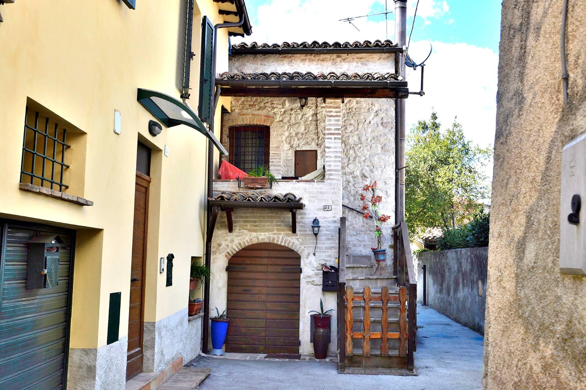 Appartamento in vendita a Foligno, 3 locali, prezzo € 55.000 | Cambio Casa.it