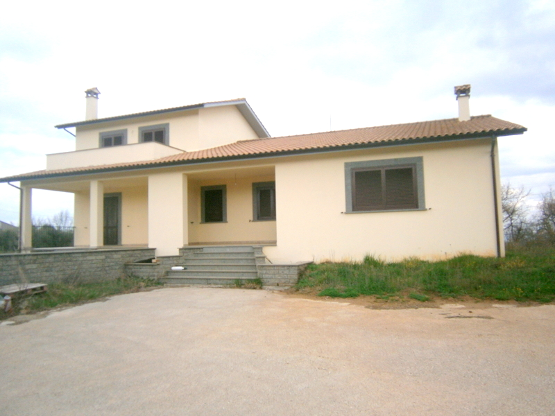 Villa in vendita a Viterbo, 3 locali, zona Zona: Bagnaia, prezzo € 270.000   Cambio Casa.it