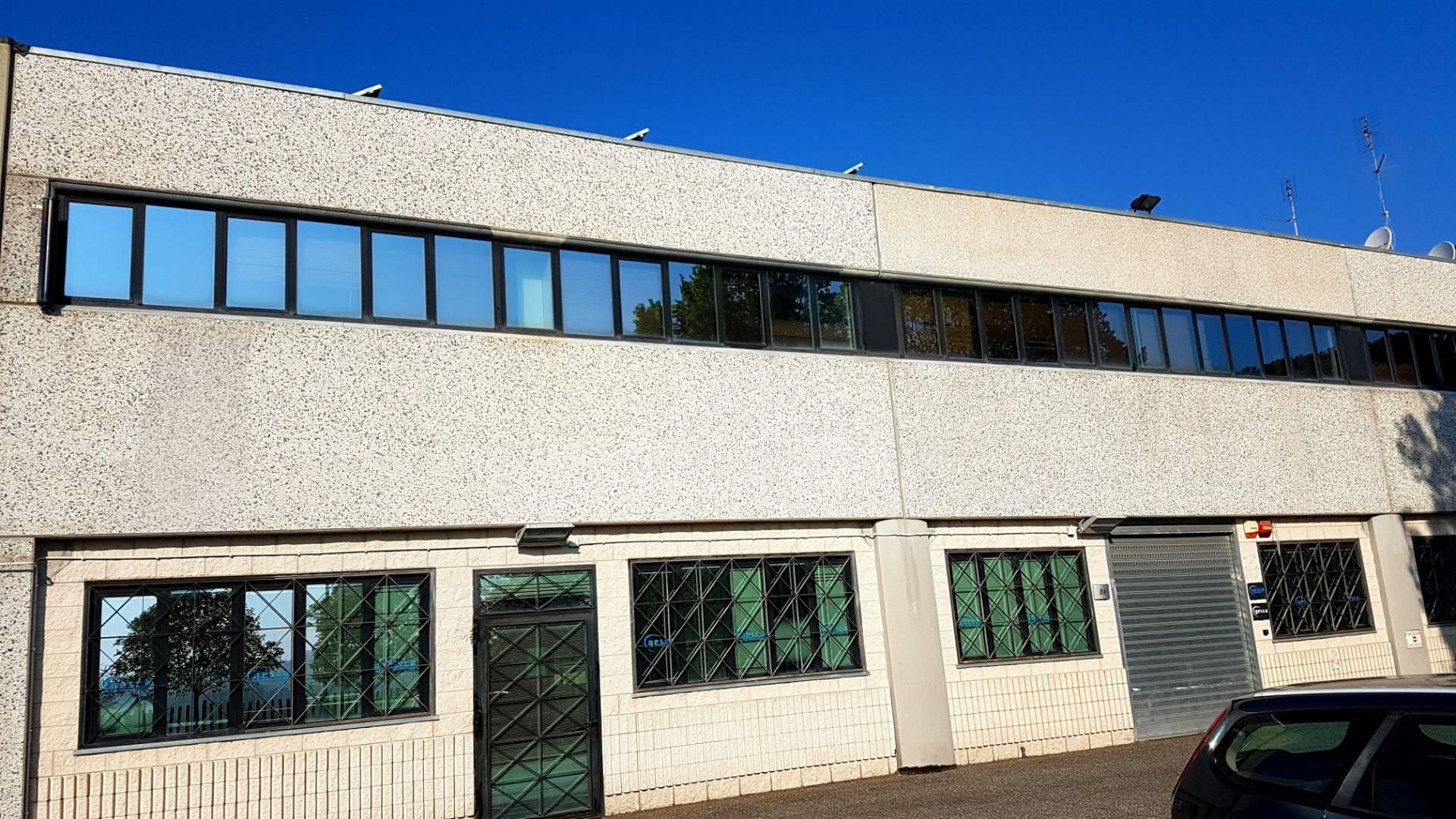 Ufficio / Studio in vendita a Formello, 9999 locali, zona Località: LeMacere, prezzo € 310.000 | CambioCasa.it