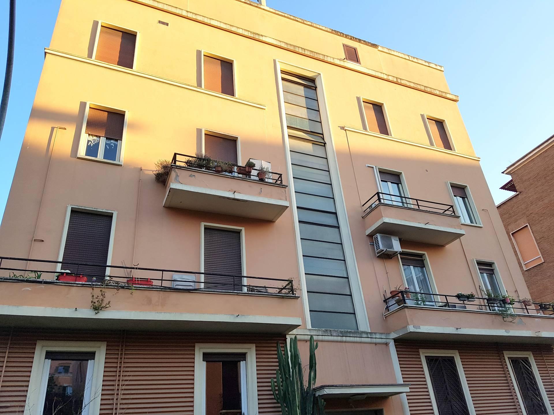 Bilocale vendita roma zona monteverde gianicolense for Bilocale vendita roma centro