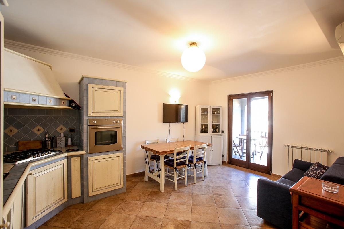 vendita appartamento monte argentario porto ercole  380000 euro  3 locali  75 mq