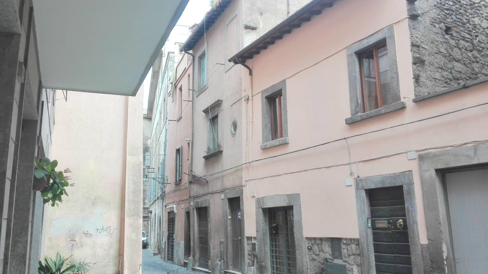 Soluzione Indipendente in vendita a Viterbo, 4 locali, zona Zona: Centro, prezzo € 89.000 | CambioCasa.it