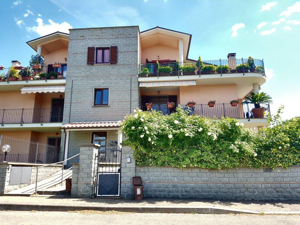 Appartamento in vendita a Vitorchiano, 4 locali, zona Località: Vitorchiano, prezzo € 256.000 | Cambio Casa.it