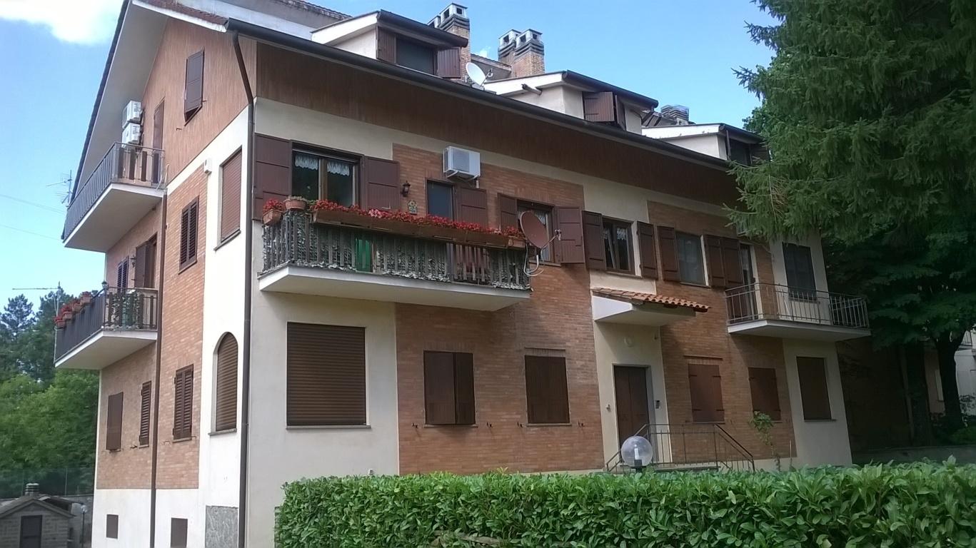 Appartamento in vendita a Viterbo, 3 locali, zona Località: SanMartinoalCimino, prezzo € 75.000 | CambioCasa.it