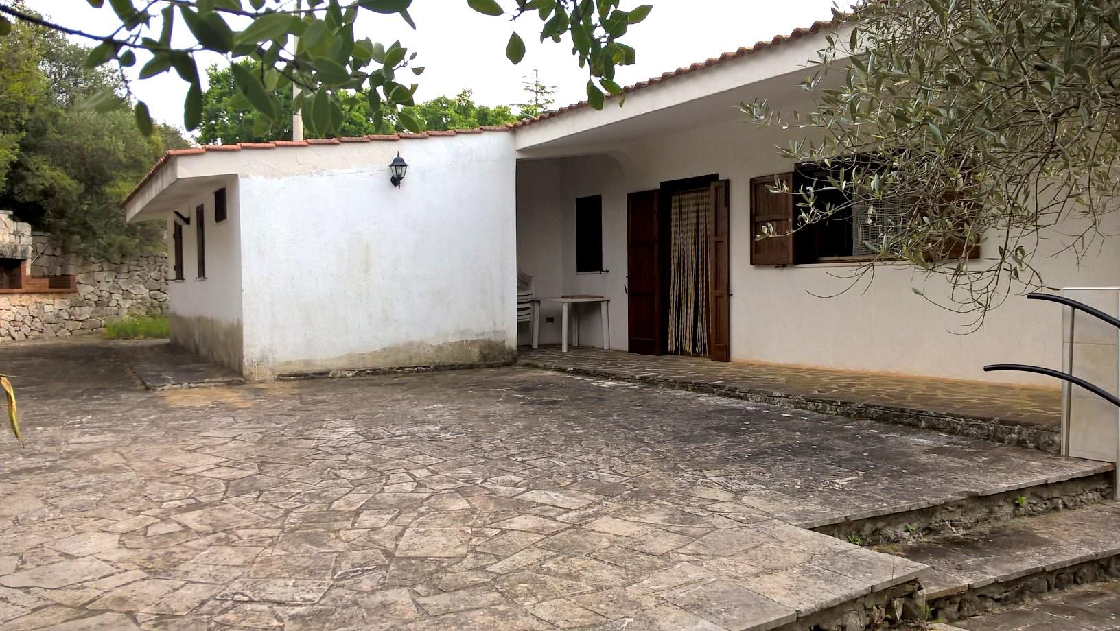 Villa in vendita a Ostuni, 3 locali, prezzo € 130.000 | Cambio Casa.it