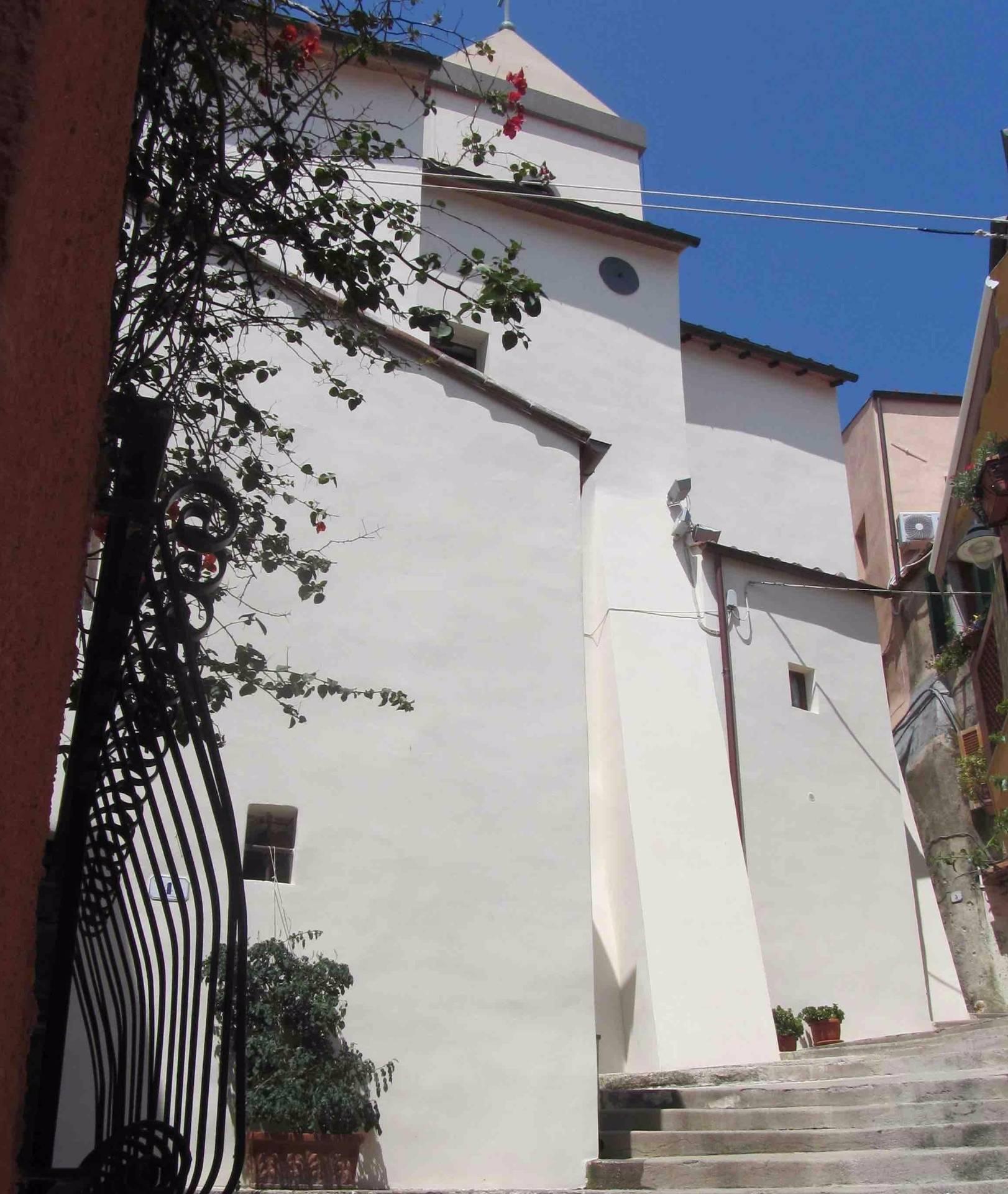 Appartamento in vendita a Capoliveri, 4 locali, prezzo € 250.000   Cambio Casa.it