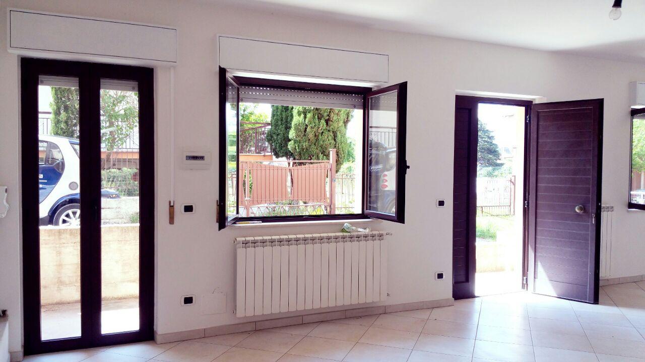 Appartamento in vendita a Gualdo Tadino, 4 locali, prezzo € 95.000 | Cambio Casa.it