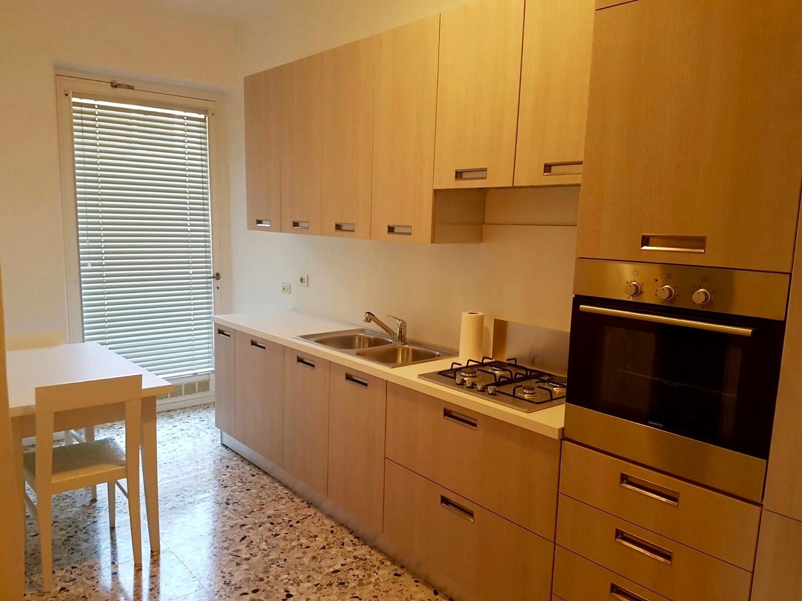 Cbi081 749 flr017 appartamento in affitto a bergamo for Affitto appartamento bergamo centro