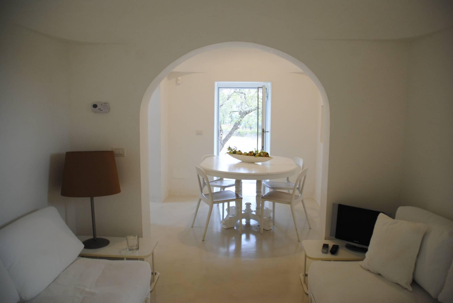 Rustico / Casale in affitto a Ostuni, 11 locali, prezzo € 1.400 | Cambio Casa.it