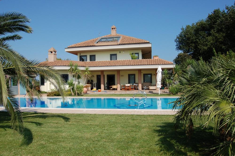 Villa in vendita a Chieti, 10 locali, zona Località: MadonnadellePiane, prezzo € 1.800.000 | Cambio Casa.it