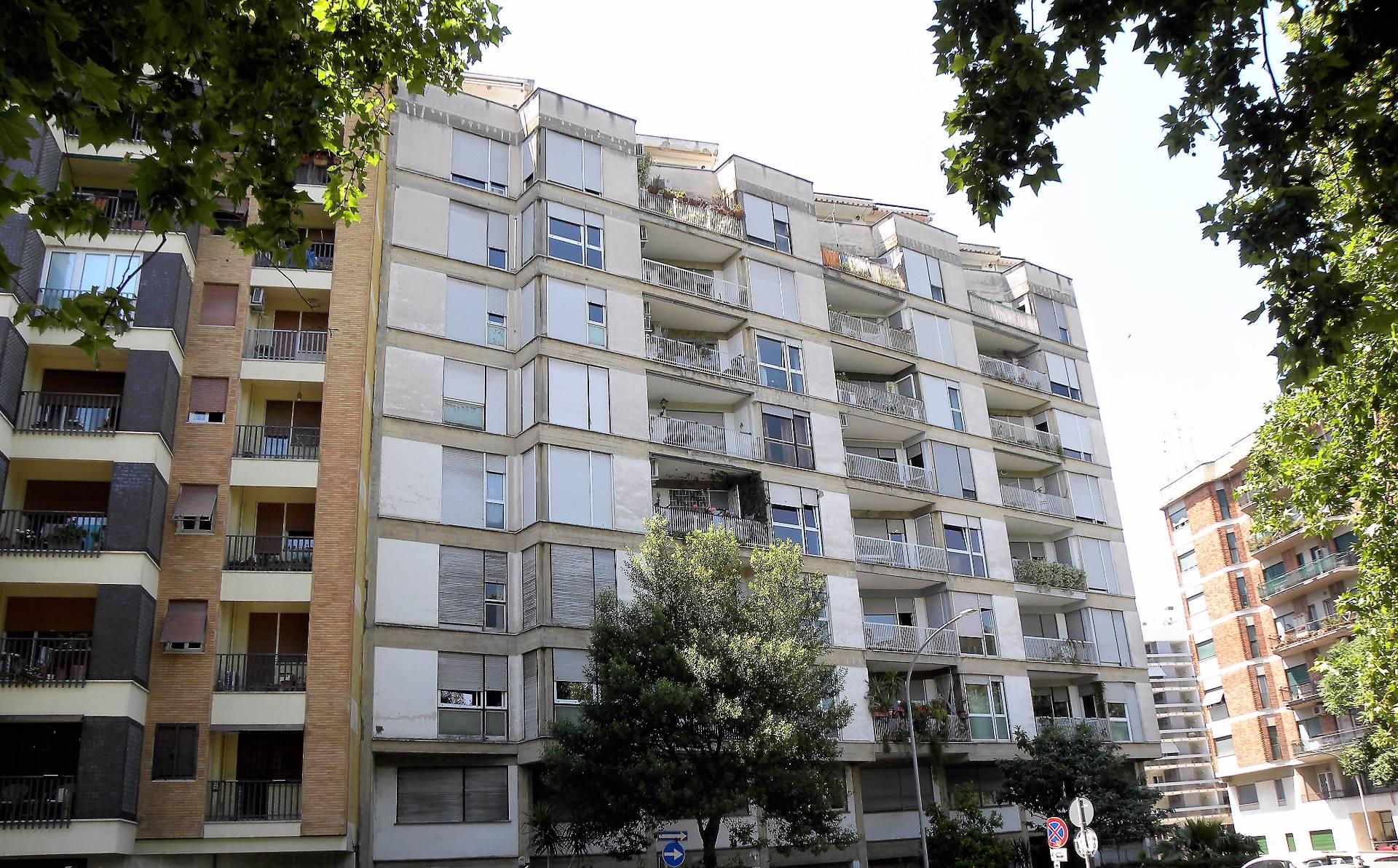 vendita appartamento roma testaccio  320000 euro  3 locali  85 mq