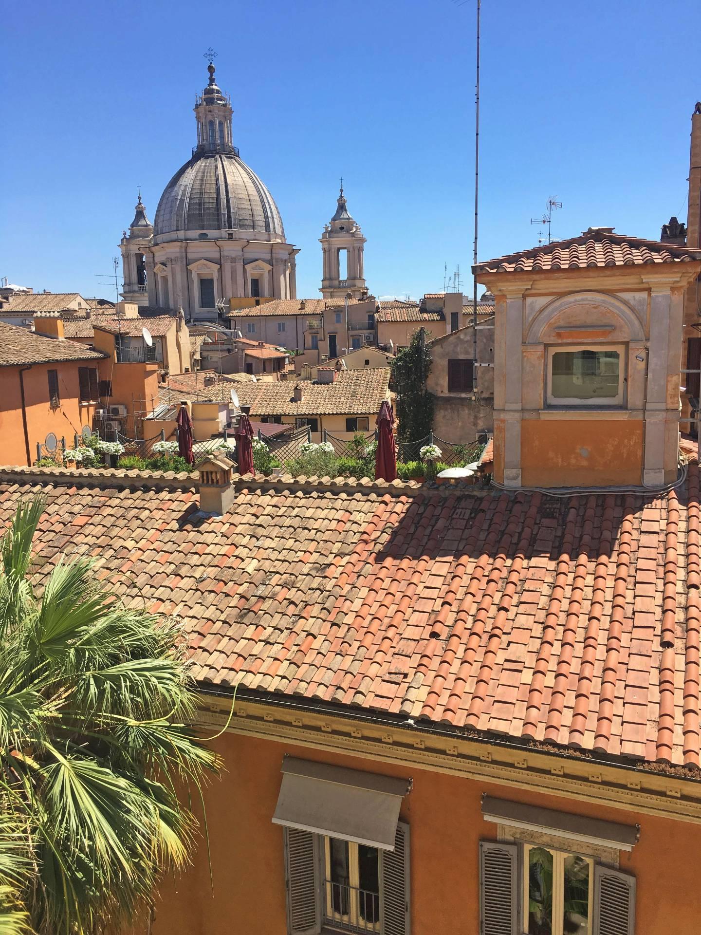 Cbi072 ex789 attico in affitto a roma centro storico for Locali commerciali roma centro affitto