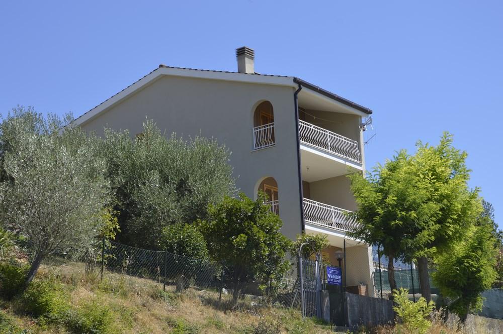 Villa a Schiera in vendita a Montefranco, 5 locali, prezzo € 95.000 | Cambio Casa.it