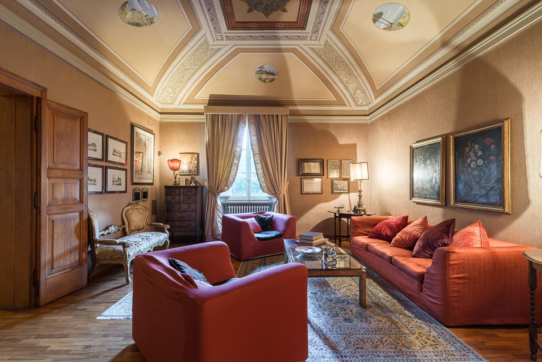 Cbi057 316 villa liberty foligno villa singola in for Non solo salotti luxury