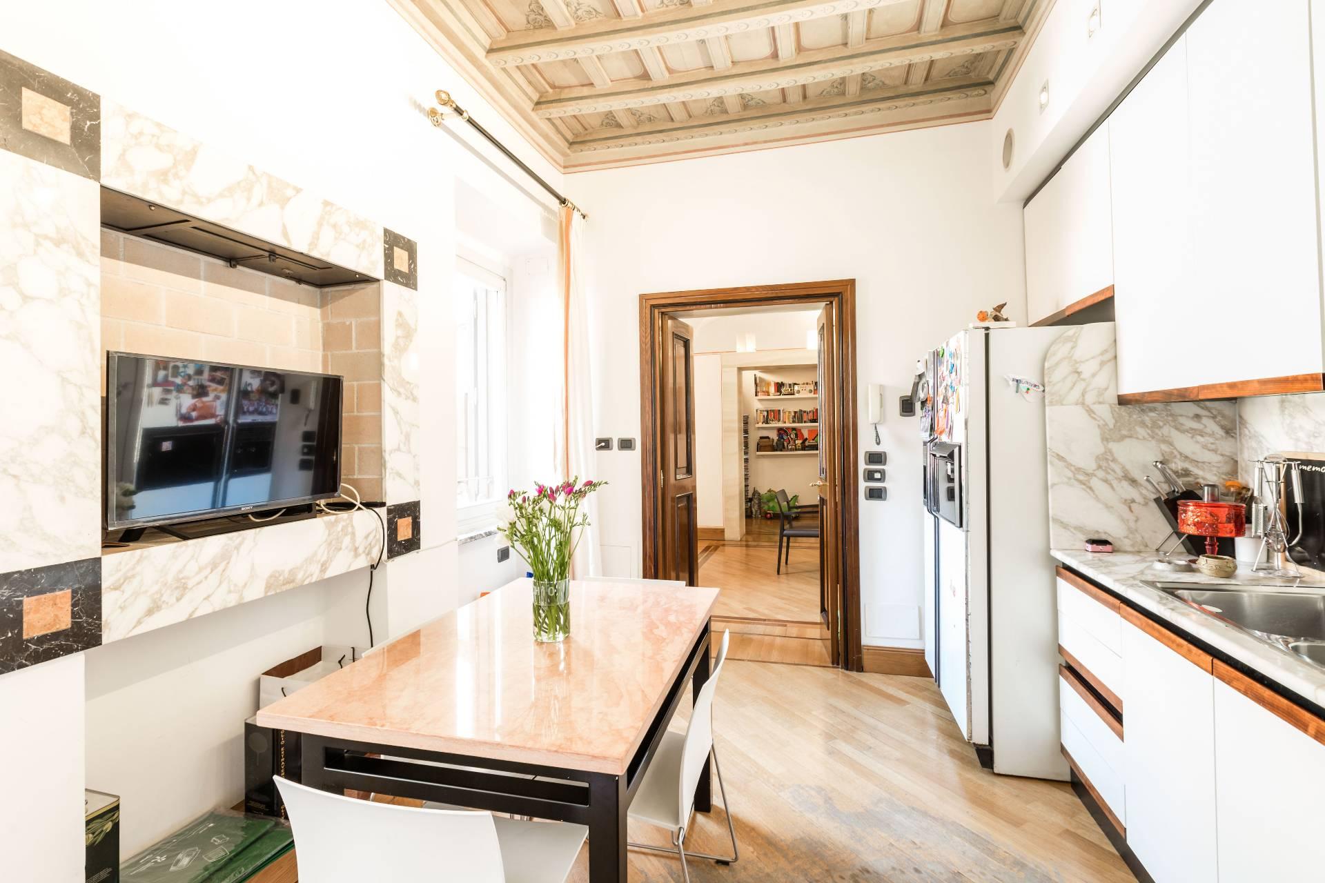 Cbi073 4555 appartamento in vendita a roma centro for Vendita appartamenti centro storico roma