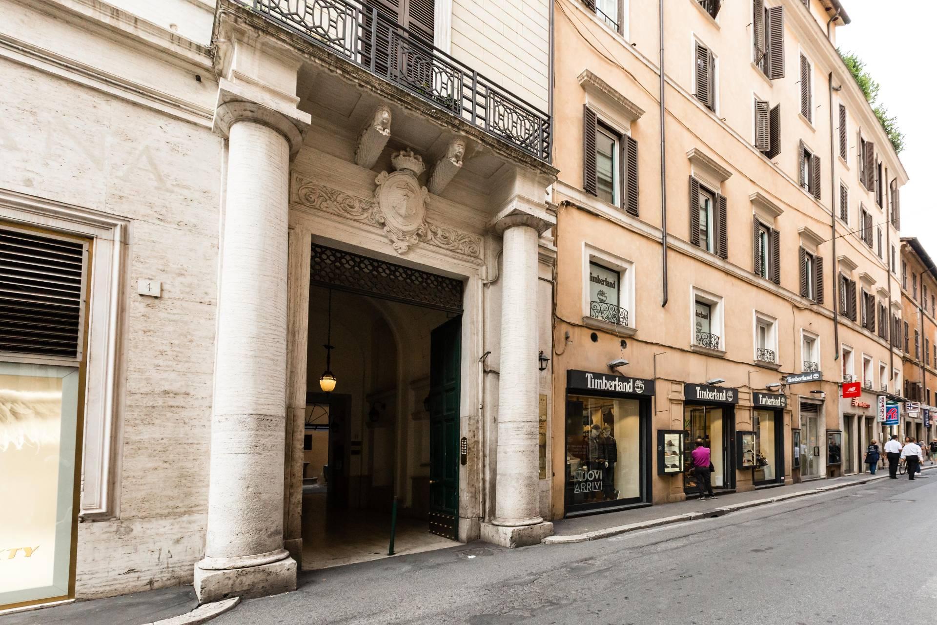 Cbi048 182 3103 appartamento in vendita a roma centro for Roma vendesi appartamento centro storico
