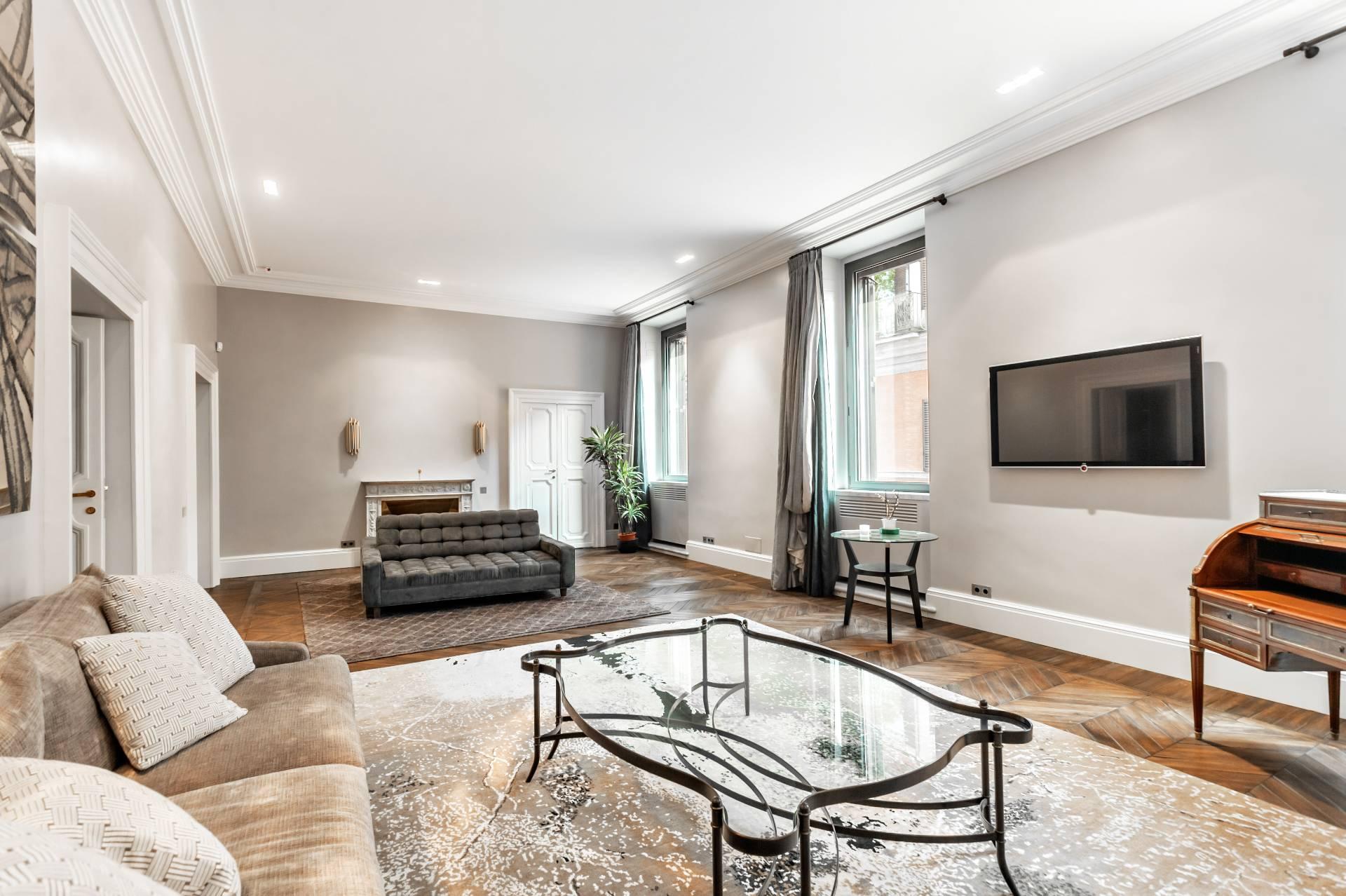 Cbi038 644 3632 appartamento in vendita a roma centro for Vendita appartamenti centro storico roma