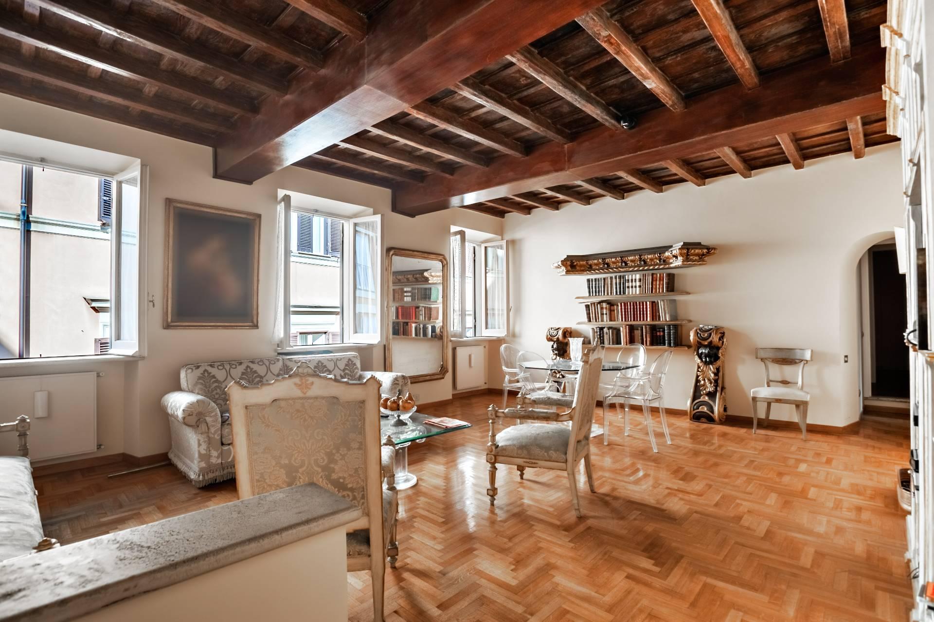 Cbi038 143 8190ab attico in vendita a roma centro for Vendita appartamenti centro storico roma