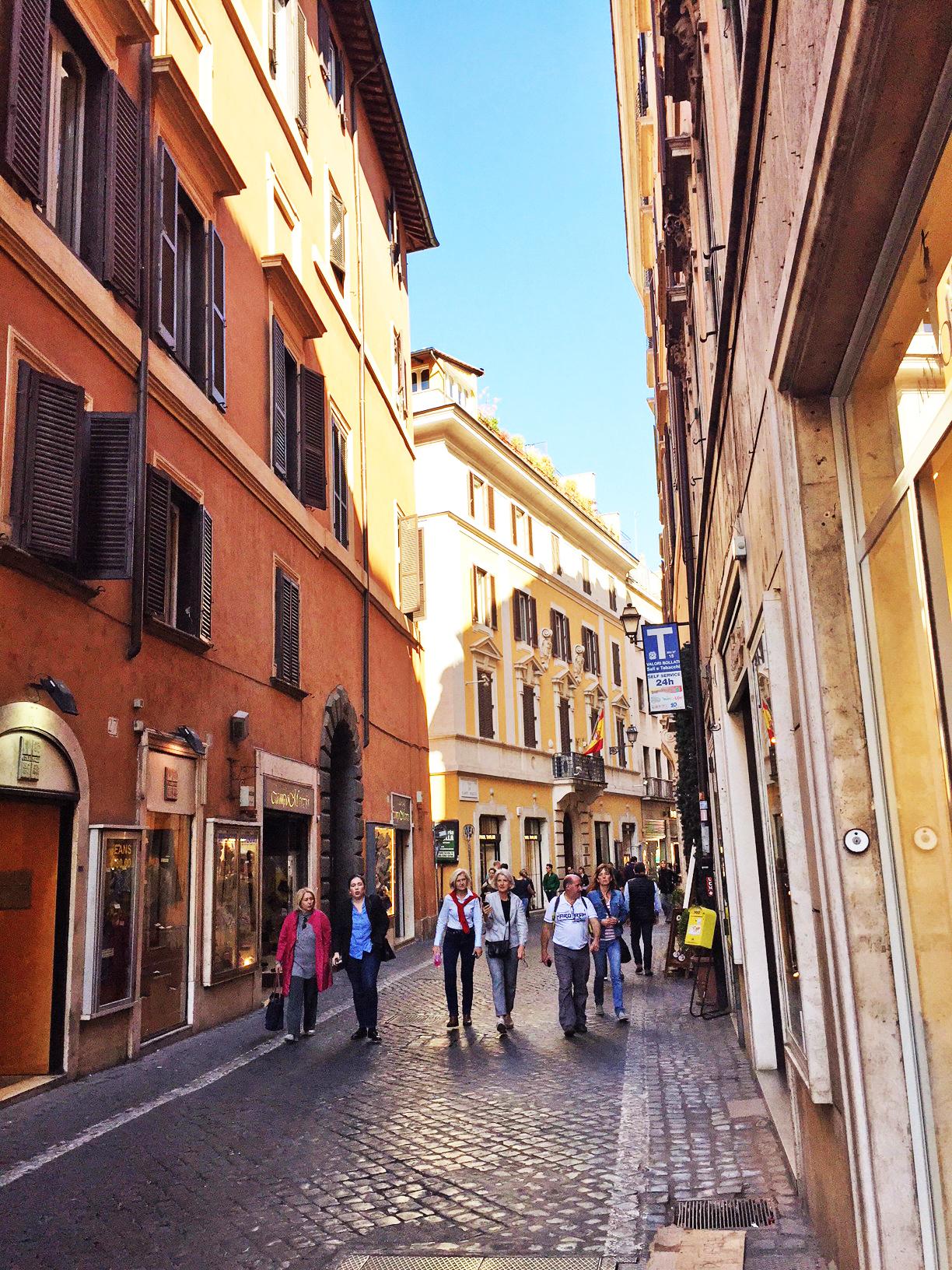 Cbi072 821 ex837 appartamento in affitto a roma centro for Locali commerciali roma centro affitto