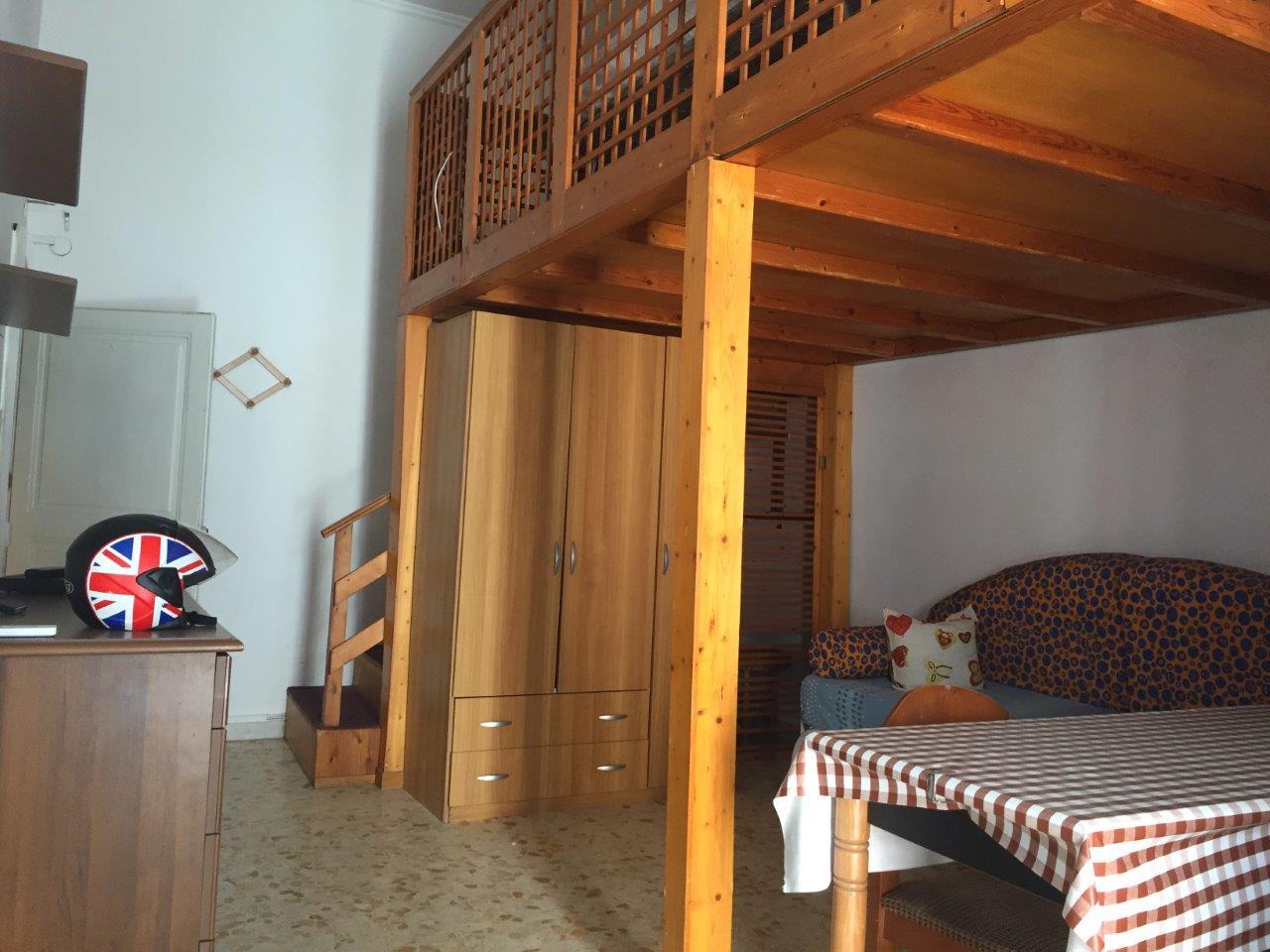 Appartamento in affitto a Gaeta, 1 locali, zona Località: ViaIndipendeza, prezzo € 400 | CambioCasa.it