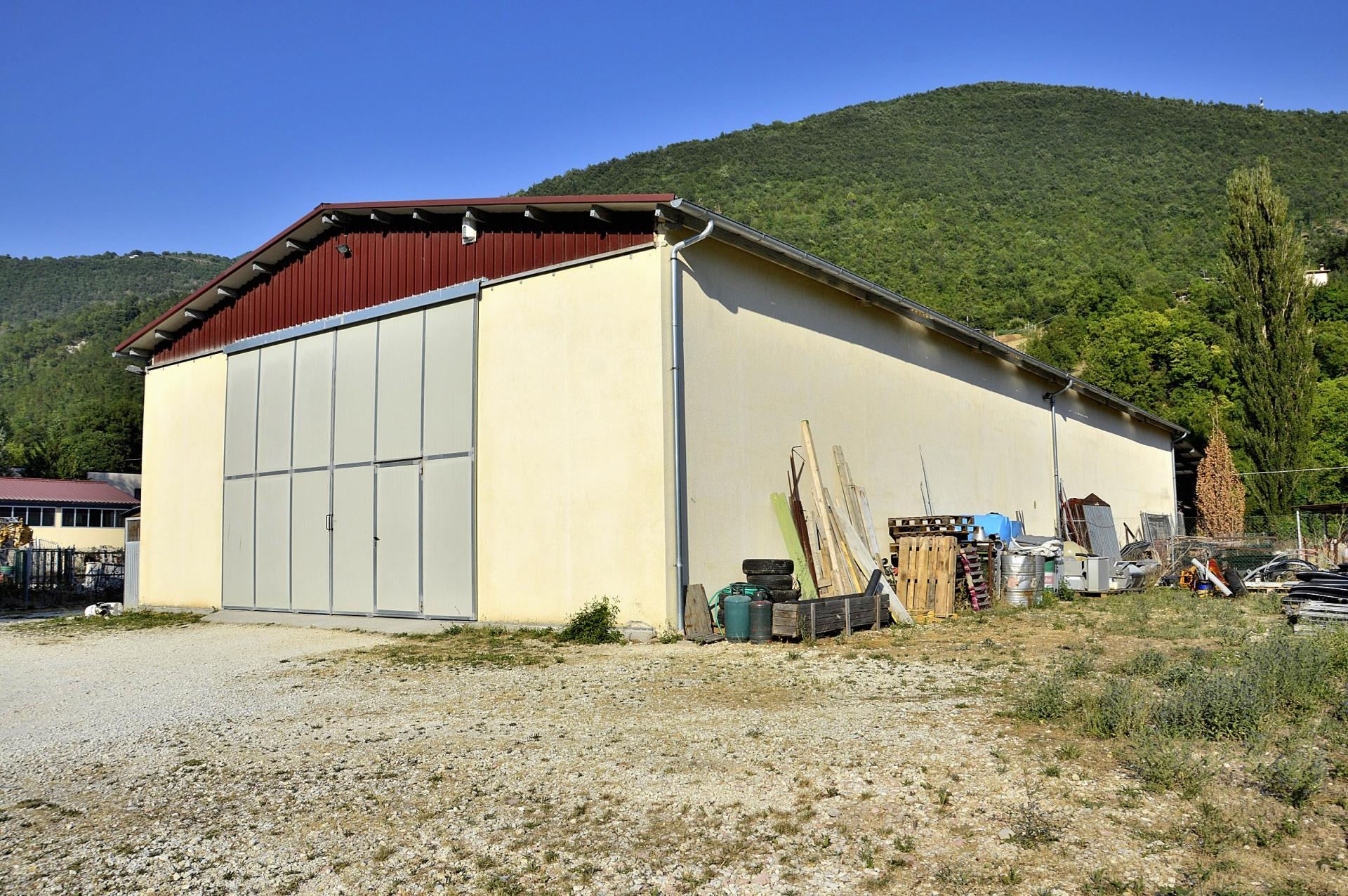 Capannone in vendita a Cerreto di Spoleto, 9999 locali, zona Località: BorgoCerreto, prezzo € 300.000 | CambioCasa.it