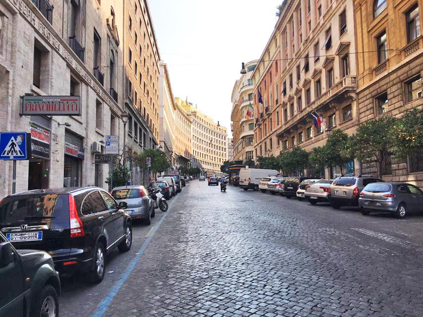 Cbi072 ex856 negozio in affitto a roma centro storico for Roma centro affitto