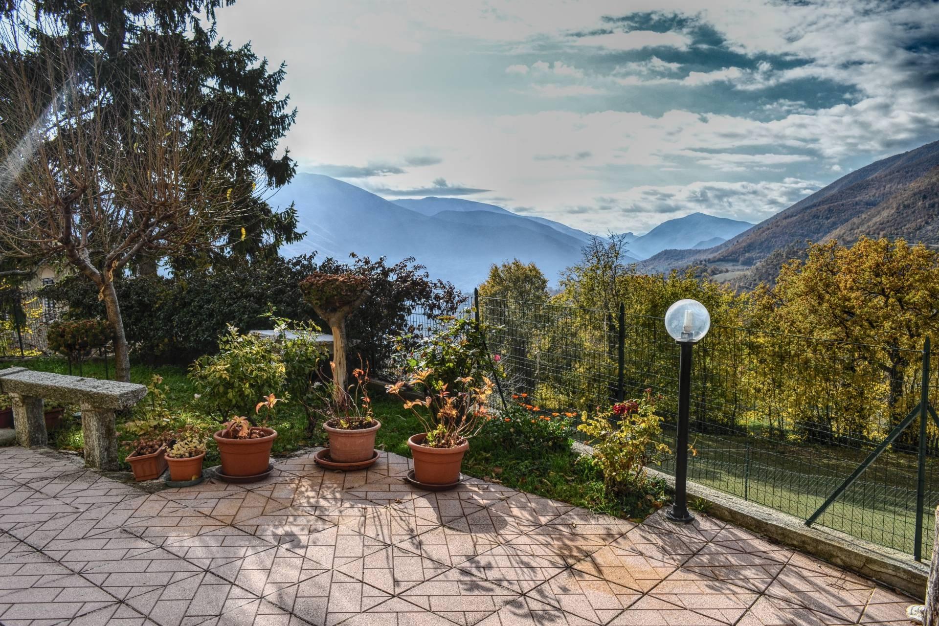 Soluzione Indipendente in vendita a Vallo di Nera, 5 locali, zona Zona: Meggiano, prezzo € 180.000   CambioCasa.it