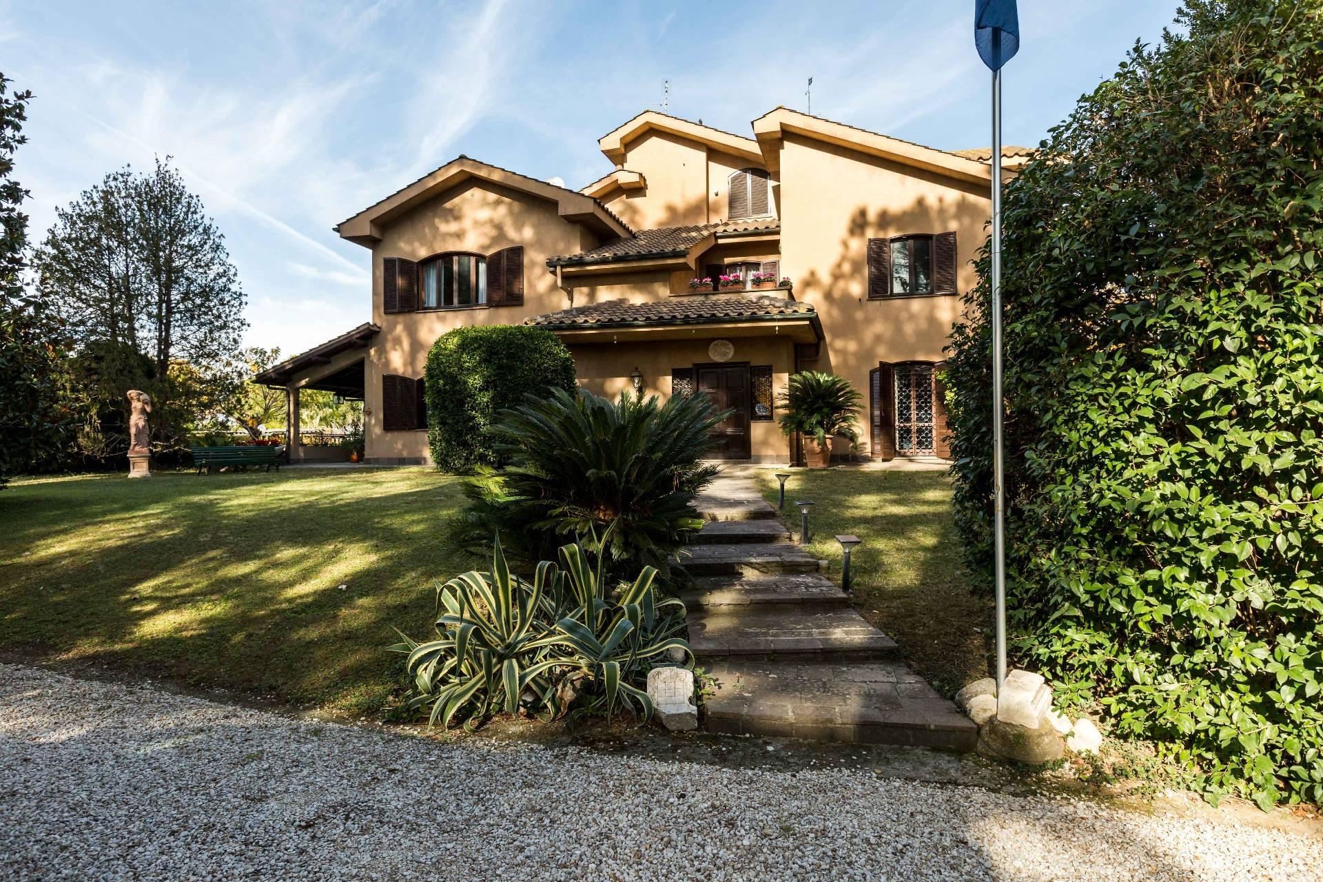 Cbi072 ex913 casa indipendente in vendita a roma for Casa roma vendita privati