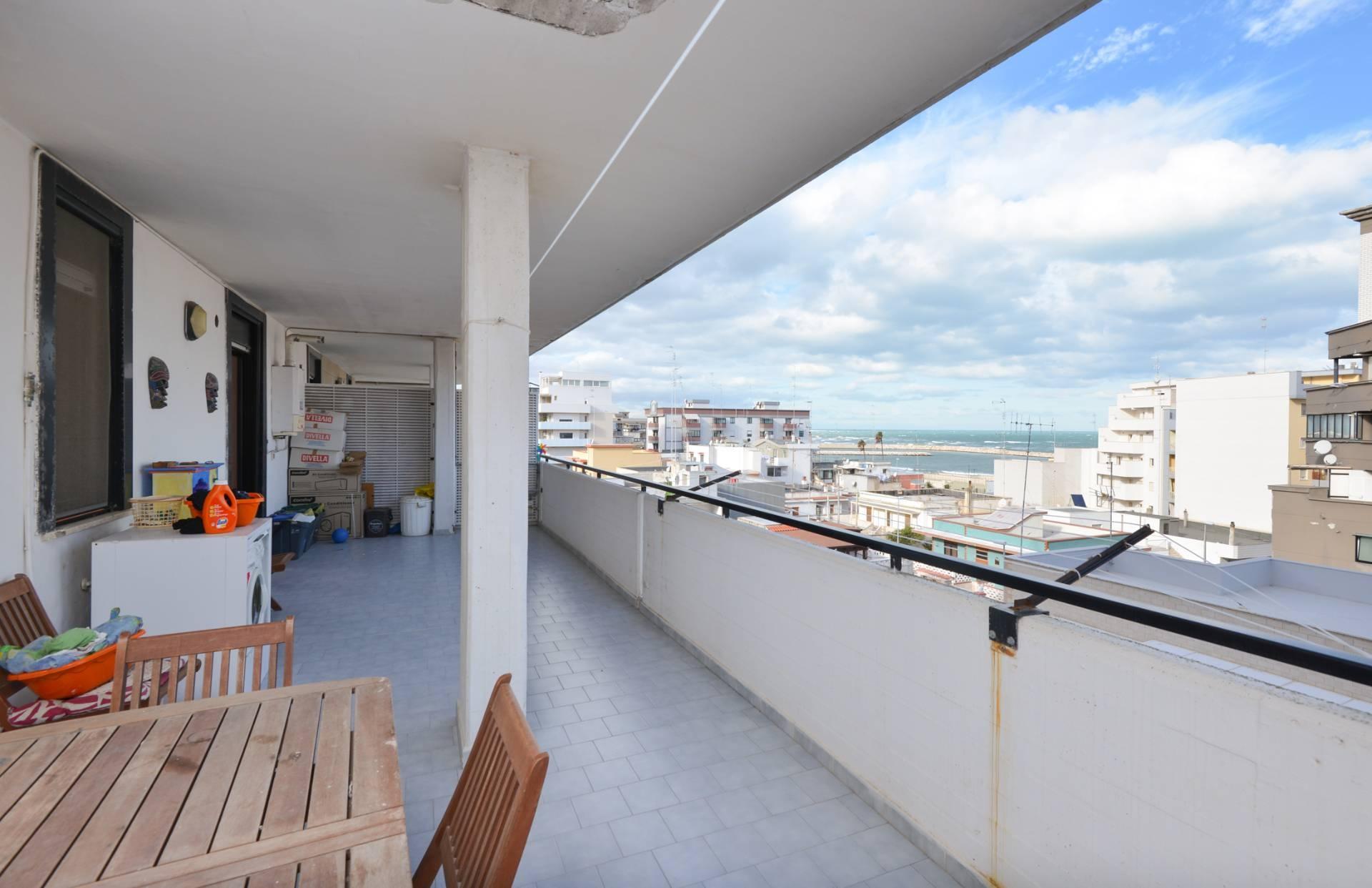 vendita appartamento bari s. girolamo  215000 euro  3 locali  110 mq