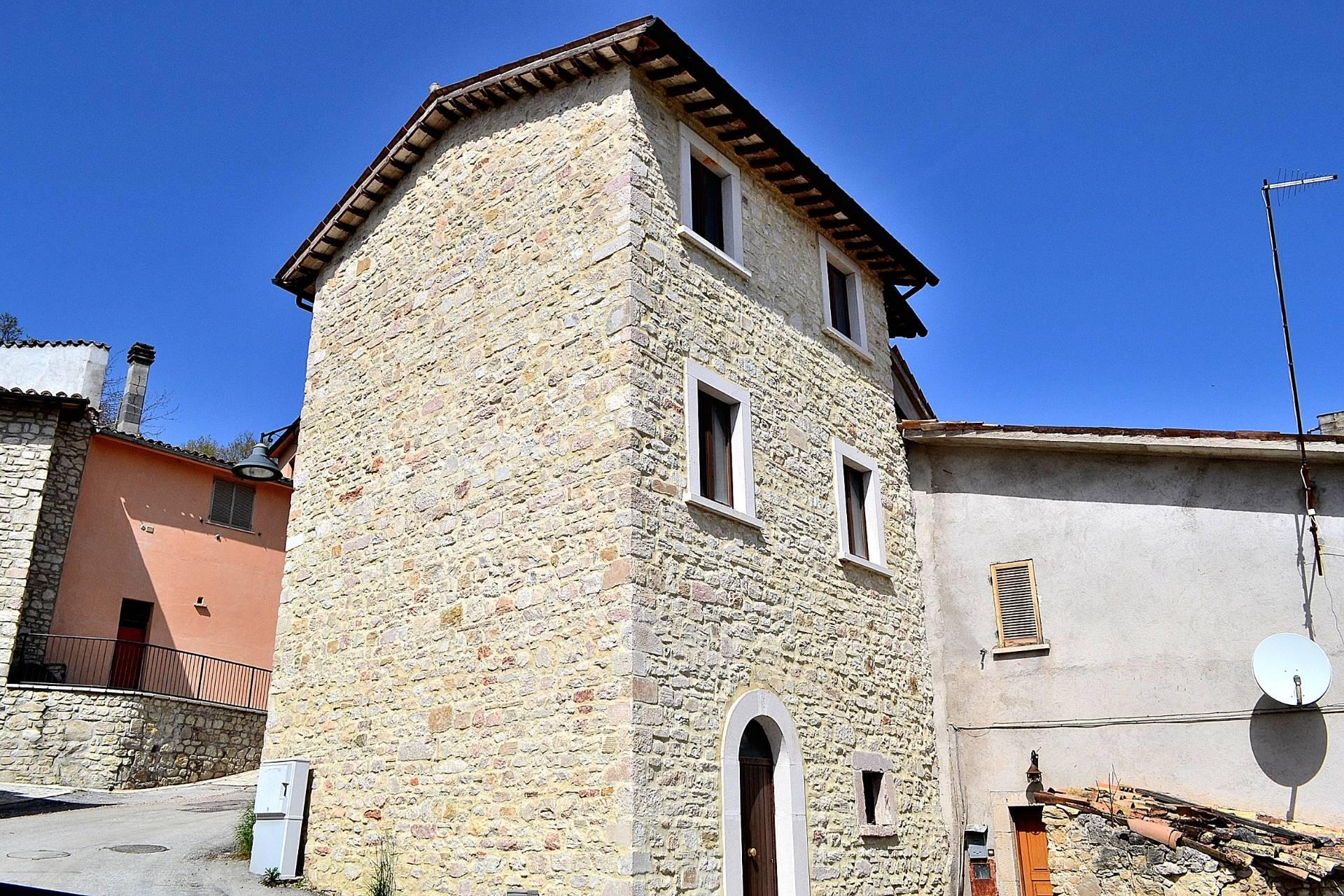 Rustico / Casale in vendita a Visso, 2 locali, zona Zona: Chiusita, prezzo € 18.000 | CambioCasa.it