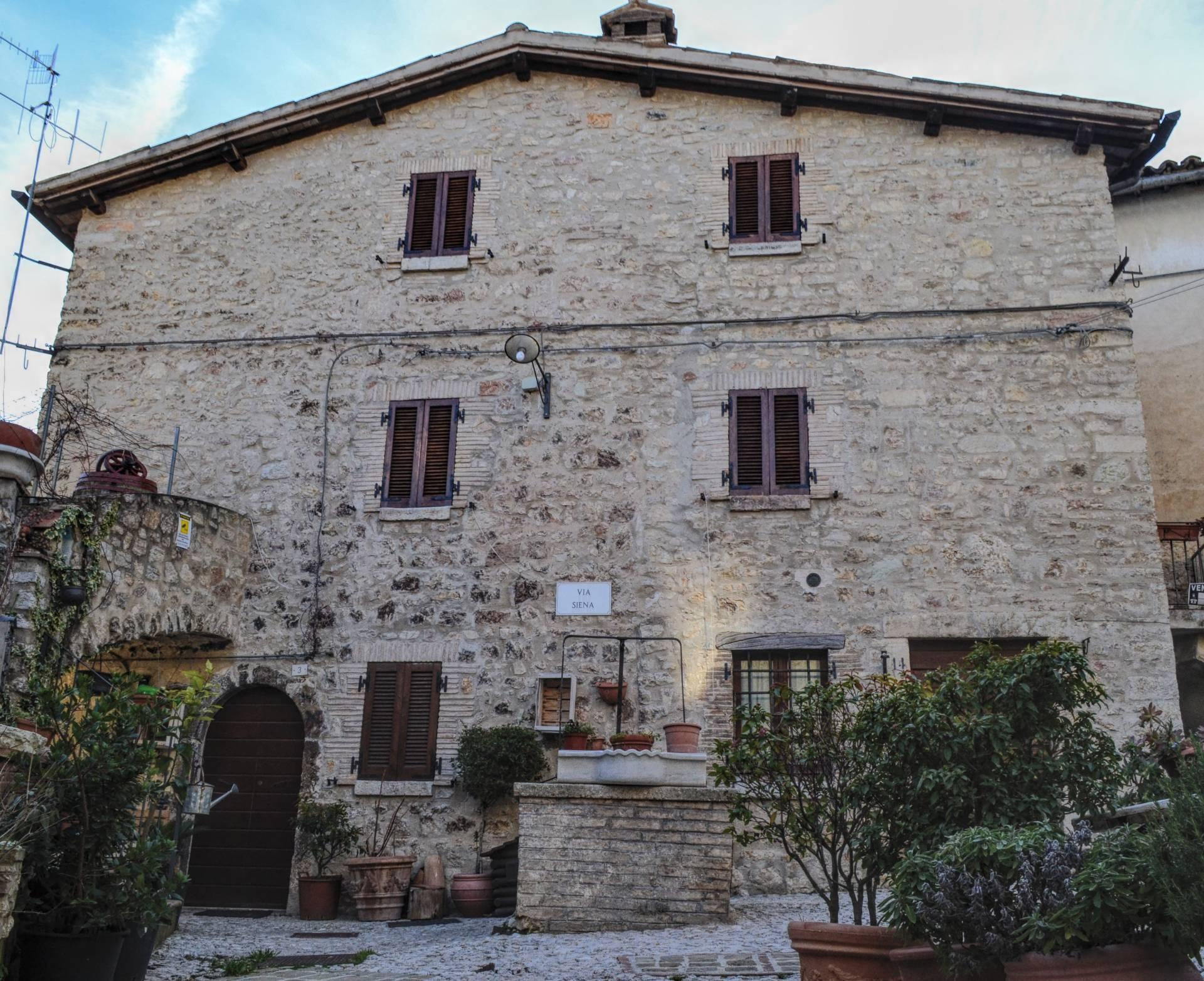Soluzione Semindipendente in vendita a Montefranco, 8 locali, prezzo € 130.000 | CambioCasa.it