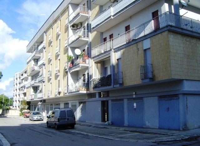 vendita appartamento brindisi s. elia  125000 euro  4 locali  120 mq