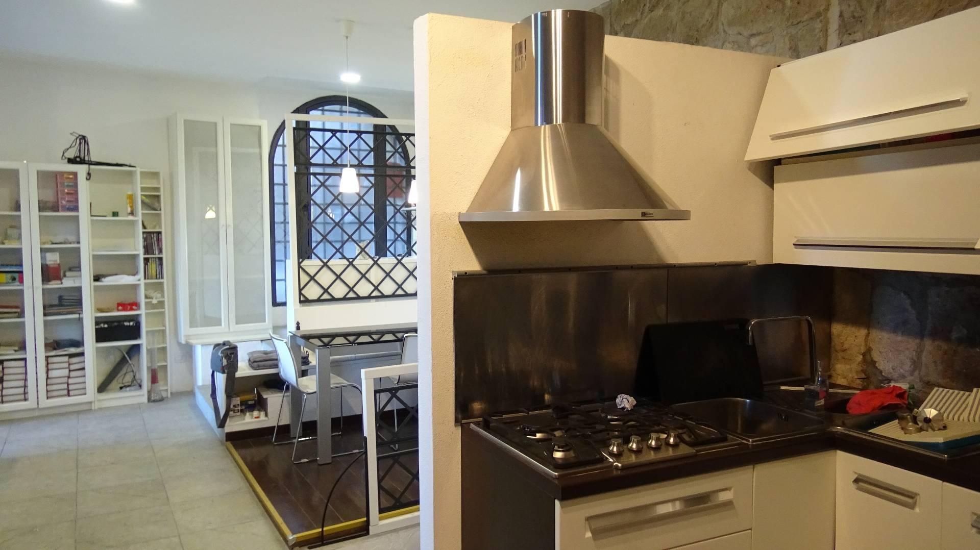 Appartamento in vendita a Vitorchiano, 3 locali, zona Località: Vitorchiano, prezzo € 81.000 | CambioCasa.it