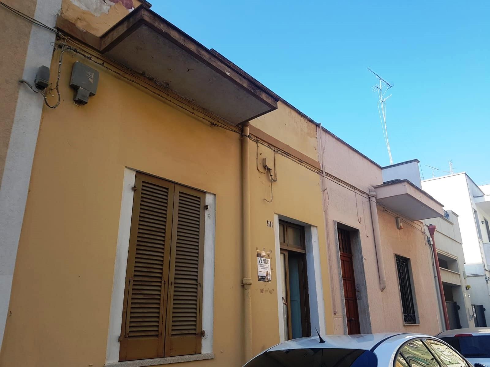 Appartamento in vendita a Brindisi, 3 locali, zona Zona: Commenda, prezzo € 79.000 | CambioCasa.it
