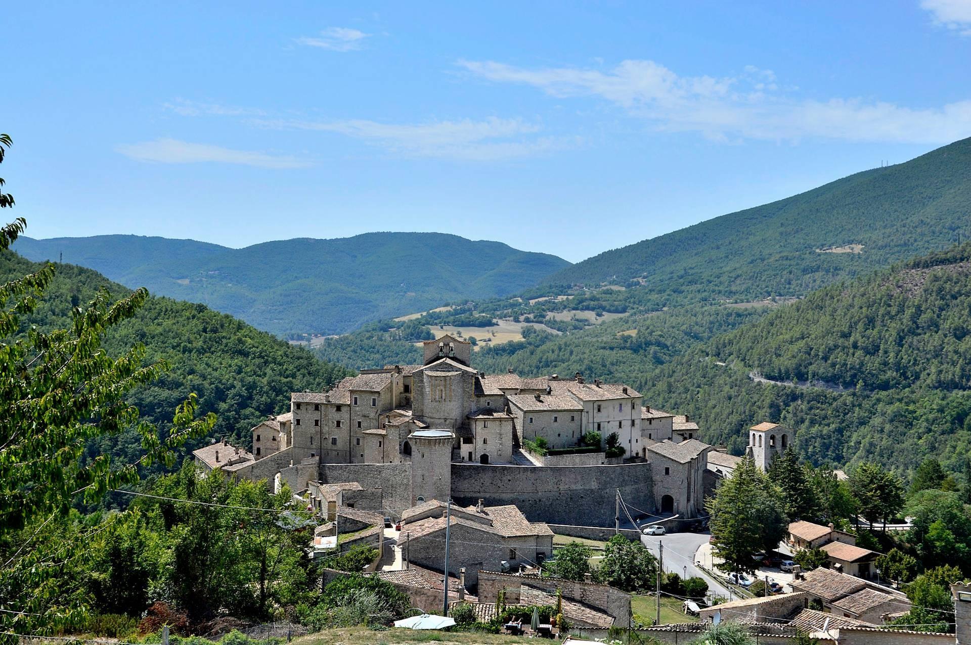 Altro in vendita a Vallo di Nera, 4 locali, zona Località: VallodiNera, prezzo € 73.000   CambioCasa.it