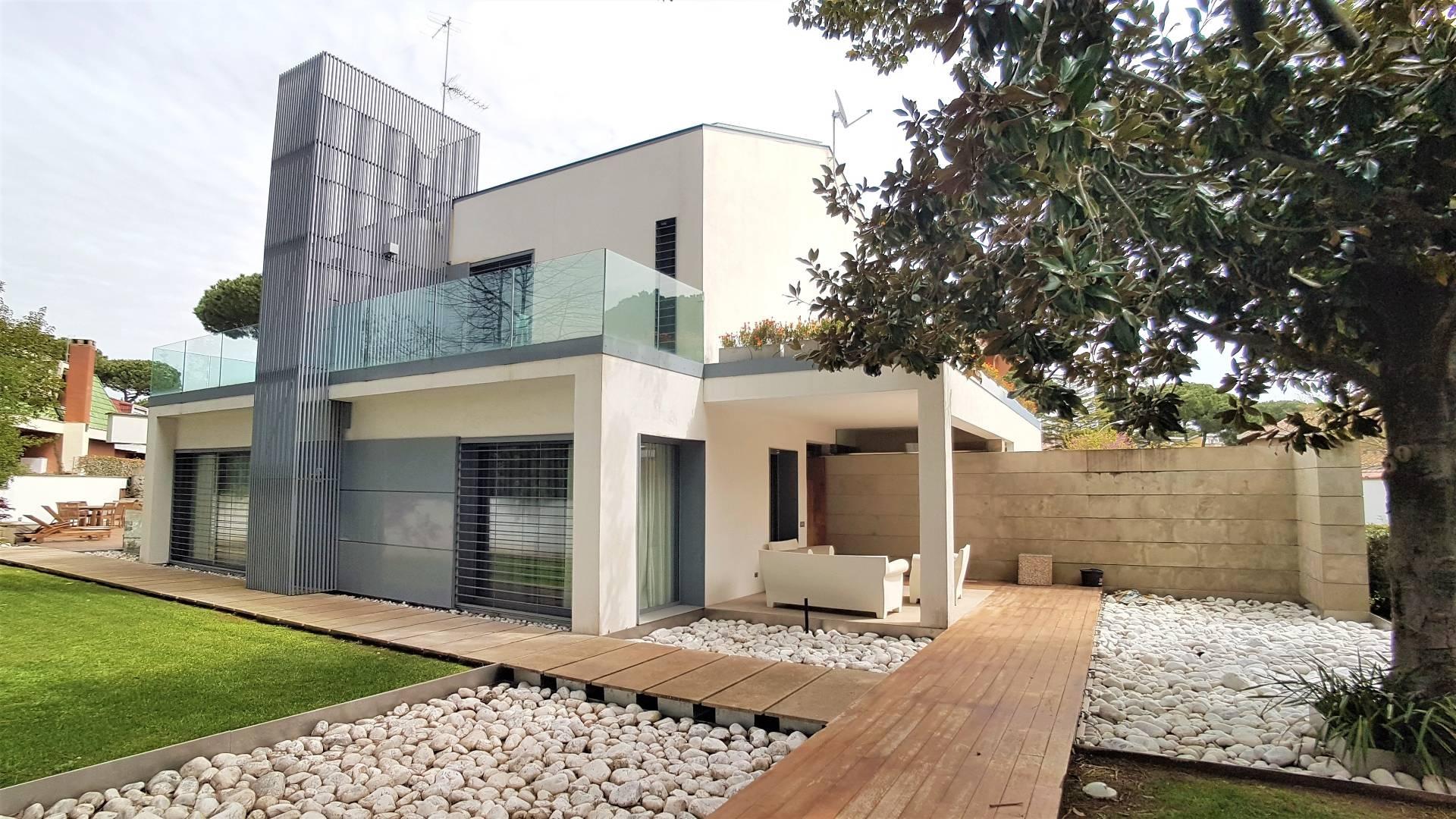 Cbi075 lpescarb villa singola in affitto a roma for Affitto cabina charlottesville va