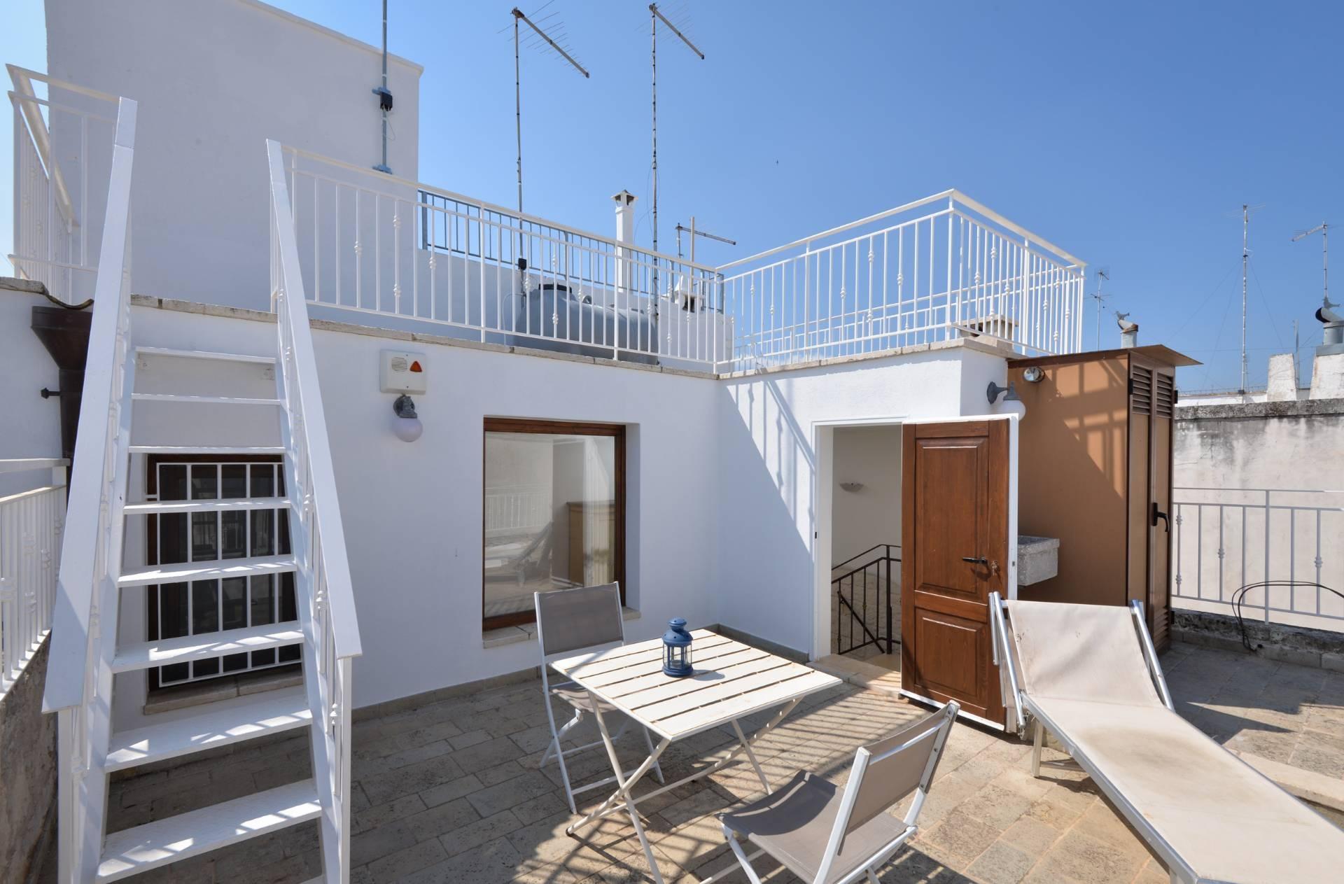 vendita appartamento ostuni   160000 euro  5 locali  84 mq
