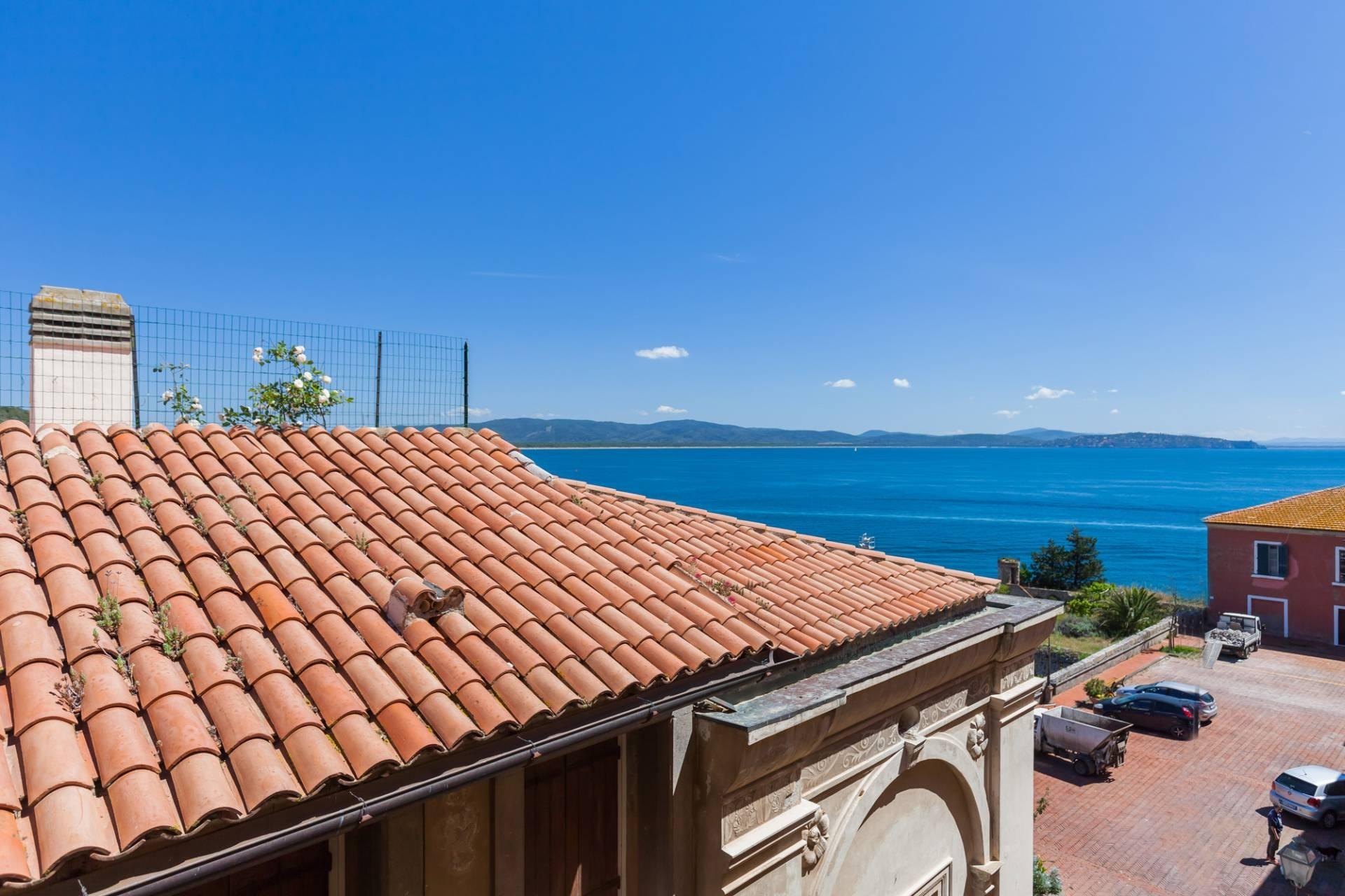 vendita appartamento monte argentario porto ercole  380000 euro  3 locali  70 mq