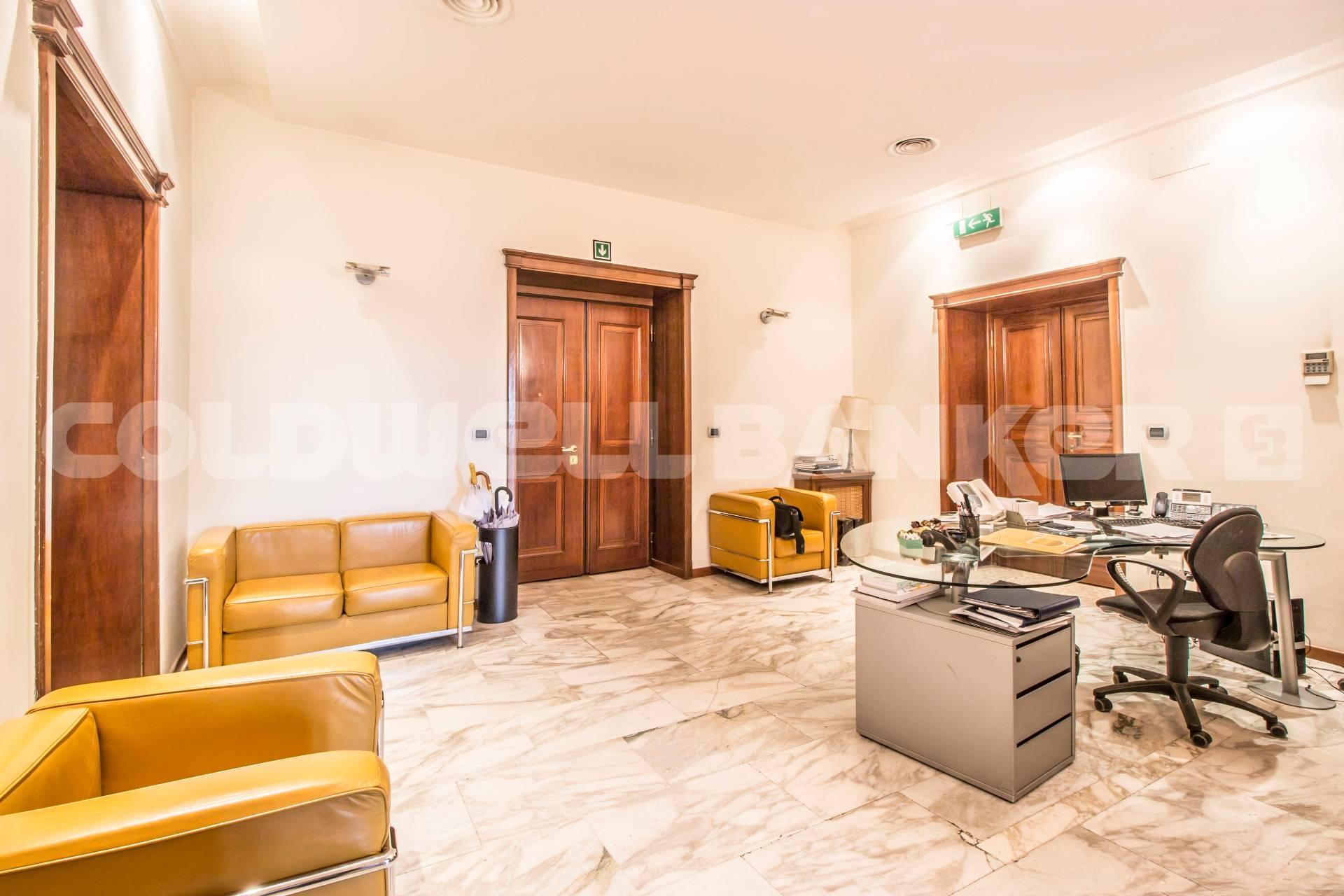 Cbi072 ex1069 ufficio in affitto a roma flaminio for Affitto postazione ufficio roma