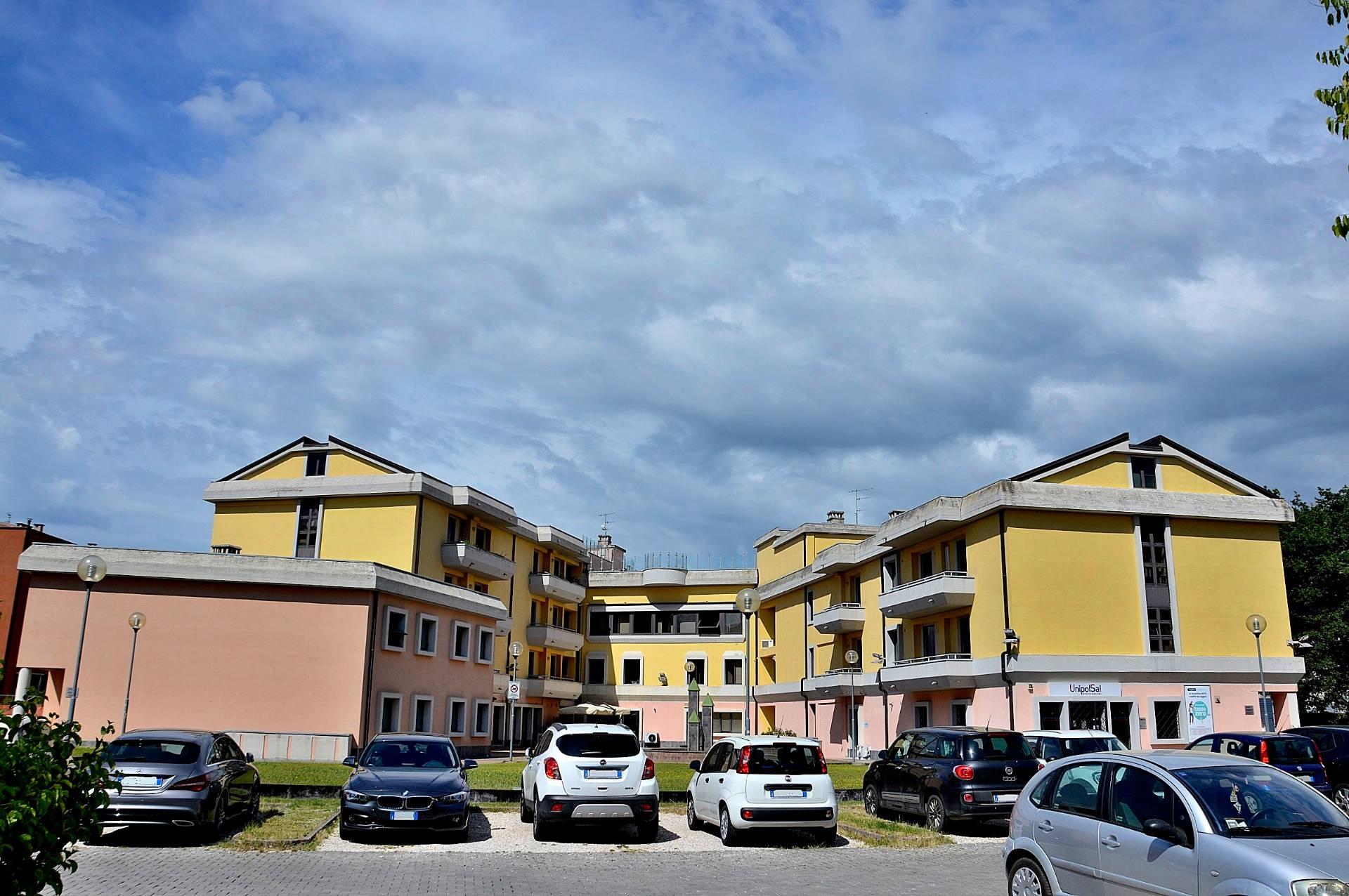 Ufficio / Studio in affitto a Spoleto, 9999 locali, zona Località: Spoleto-Centro, prezzo € 210.000 | CambioCasa.it
