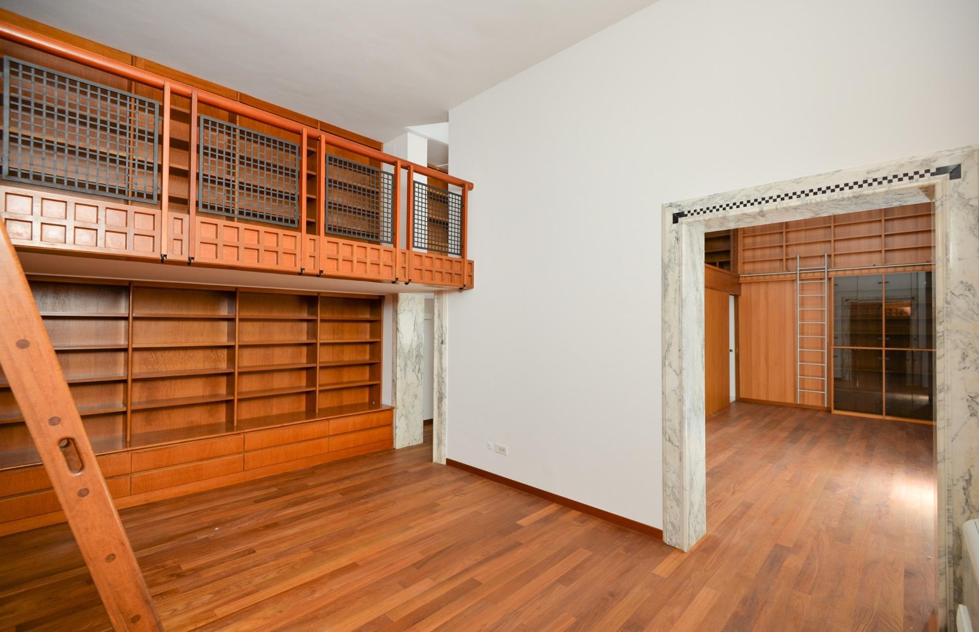 Cbi094 bal002 appartamento in affitto a bari murat for Appartamento in affitto arredato bari