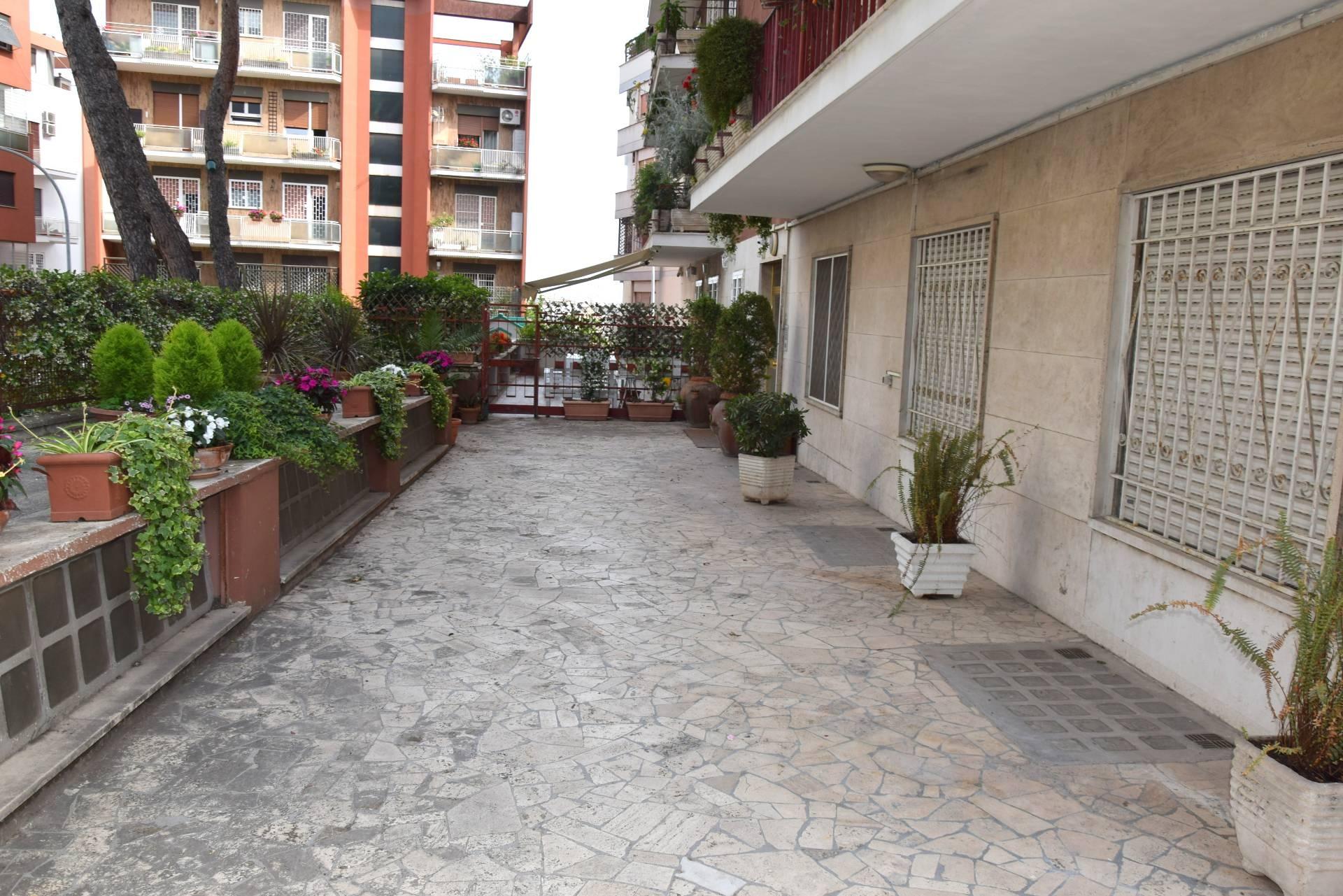 affitto appartamento roma monteverde  1200 euro  3 locali  80 mq